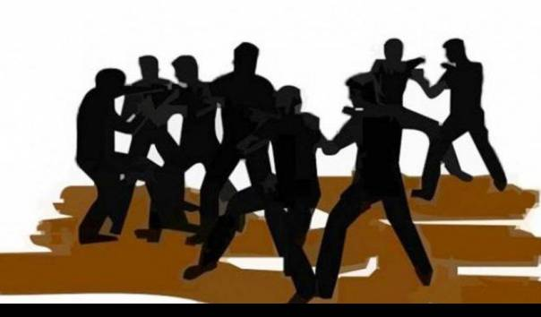 bentrok-penarikan-kendaraan-di-depok-warga-dan-leasing-sama-sama-kerahkan-ormas