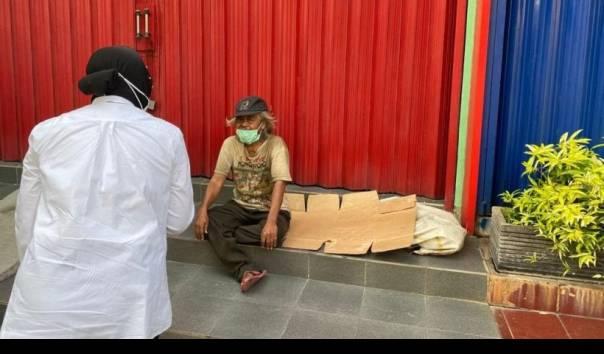 Fakta Sosok Tunawisma yang Ditemui Mensos Risma saat Blusukan di Jakarta