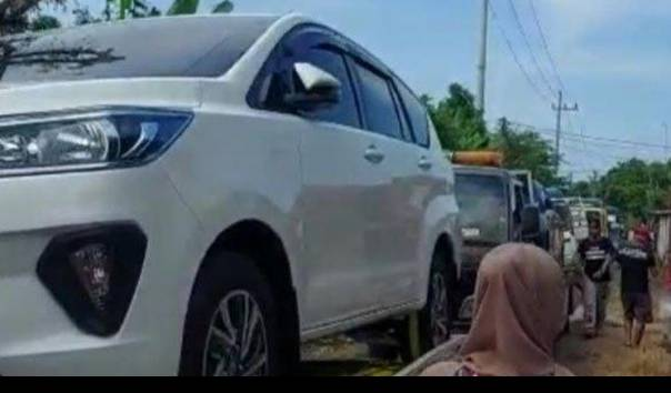 Sedih Lihat Para Miliarder Tuban Borong Mobil, Pertamina Rosneft Turun Tangan - Kompas TV