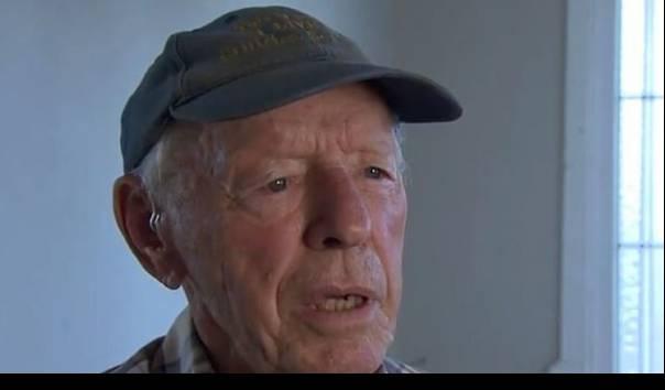 Gordon Layton (88) dari Bundaberg, Queensland, keliru mentransfer 71.400 dolar AS (lebih dari Rp 1 miliar) ke orang yang salah, bukan ke perusahaan yang memindahkan rumah ke blok tanahnya. (Sumber: NINE/Daily Mail)
