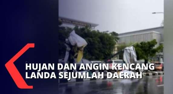 Sedang Viral, Pohon Tumbang Akibat Hujan Angin di Jogjakarta dan Padang, Warga Diimbau Waspada Cuaca Ekstrem