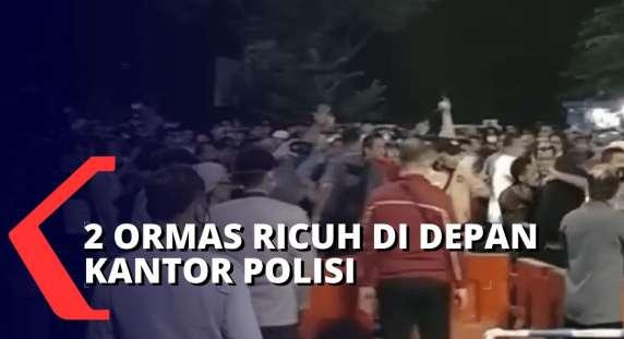 Oops, Polisi Bubarkan 2 Kelompok Massa Karena Picu Kerumunan
